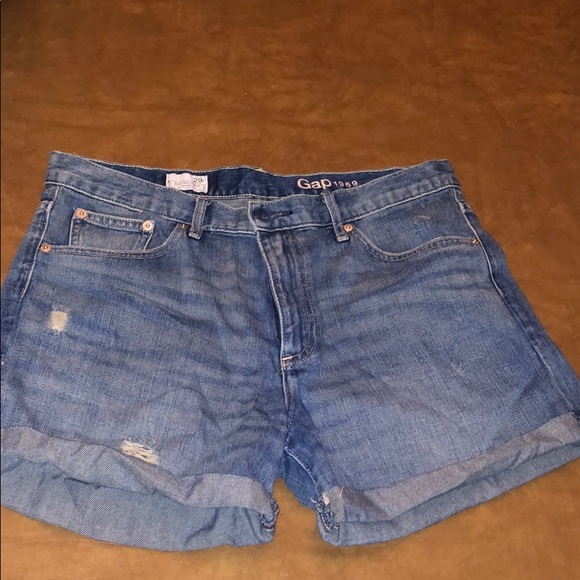 GAP Pants - Gap Sexy Boyfriend Denim Shorts Size 29